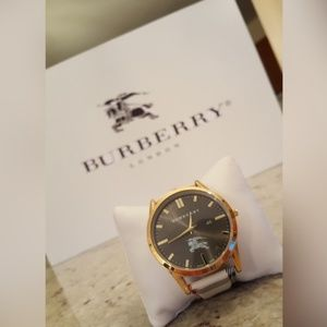 Burberry Watch Leather & Plaid W. Gold